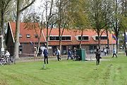 Prinses Máxima opent 7 oktober 2011 Exodushuis voor opvang van (voormalig) gedetineerden<br /> <br /> Exodus biedt opvang en nazorg aan voormalig gedetineerden en gedetineerden in de laatste fase van hun straf. Na de opening bezoekt de Prinses het opvanghuis en spreekt met de bewoners. In totaal zijn er 11 opvanghuizen in Nederland.<br /> <br /> Princess Maxima opens October 7, 2011 Exodus House for the care of (former) prisoners<br /> <br /> Exodus provides care and aftercare for former prisoners and detainees in the final phase of their sentence. After the opening, the Princess visited the shelter and speak with residents. A total of 11 shelters in the Netherlands.<br /> <br /> Op de foto / On the photo: het Exodushuis