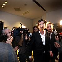 Nederland, amsterdam , 19 maart 2014.<br /> Lijsttrekker van de Amsterdamse PvdA Pieter Hilhorst staat de pers te woord na de nederlaag van de PvdA in Amsterdam na bekendmaking van de uitslag van de Gemeenteraadsverkiezingen.<br /> Foto:Jean-Pierre Jans