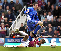 Fotball<br /> Foto: SBI/Digitalsport<br /> NORWAY ONLY<br /> <br /> Coca Cola Championship - Play off Semi Final<br /> West Ham United v Ipswich Town<br /> 14th May, 2005<br /> <br /> West Ham's Sergei Rebrov is left grounded by Ipswich's Tommy Miller