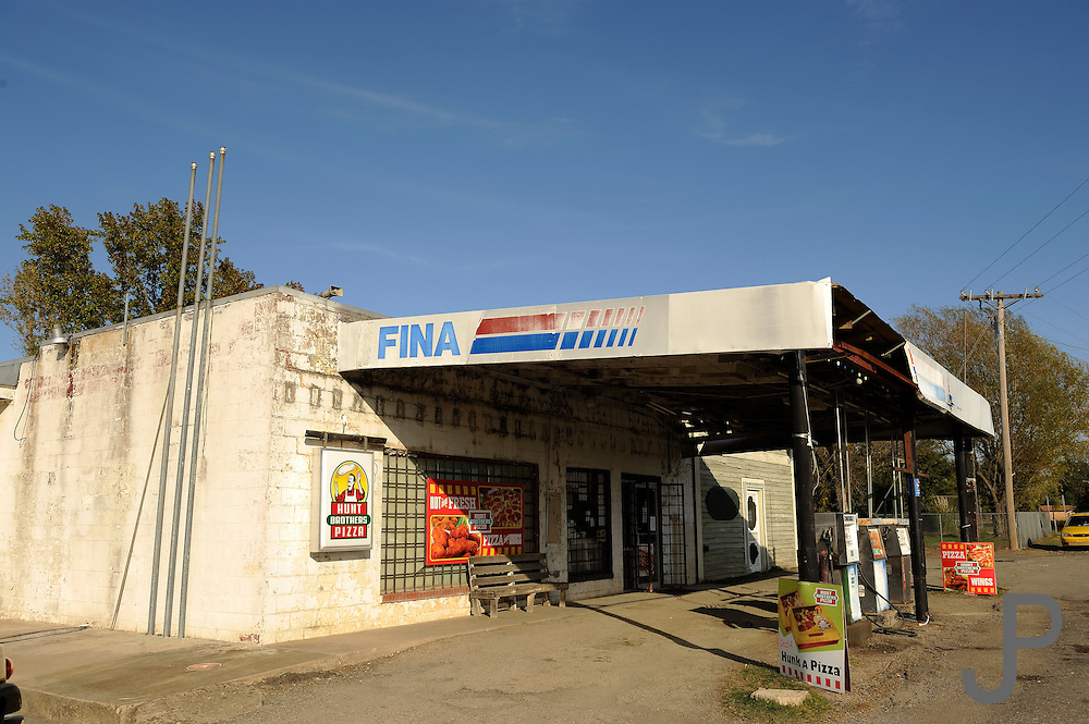 Gas station and grocery store at Battiest, Oklahoma