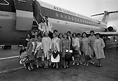 1967 - Arrival of group of students from Paris at Dublin Airport