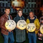 NLD/Soest/20181206 - KWF Kankerbestrijding onthult 3e editie lampionnenactie, Jeroen Snel, Wilfred Genee, Mirella van Markus, Andre van der Toorn en Coosje Smid
