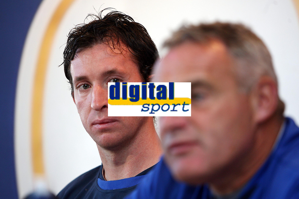 Photo: Rich Eaton.<br /> <br /> Cardiff City Press Conference. Coca Cola Championship. 24/07/2007. Robbie Fowler (l) pictured at Ninian Park, where he was announed as a new signing by Cardiff City manager Dave Jones (r).