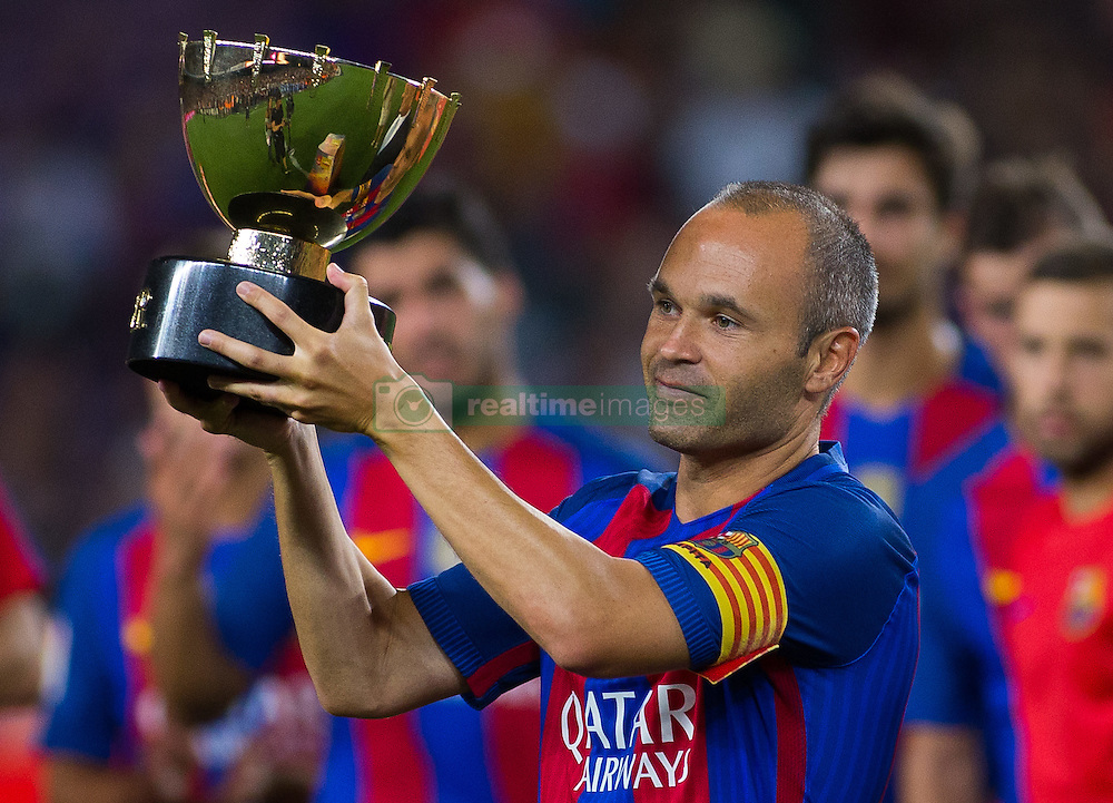 August 10, 2016 - Barcelona, Spain - Andrés Iniesta. 51st edition of the Joan Gamper Trophy between FC Barcelona and Sampdoria. Camp Nou, Barcelona, Spain. August 10th., 2016. Barça win 3-2  thanks to goals from Messi (2) and Luis Suárez. Budimir and Muriel for Sampdoria (Credit Image: © Eric Alonso/VW Pics via ZUMA Wire/ZUMAPRESS.com)