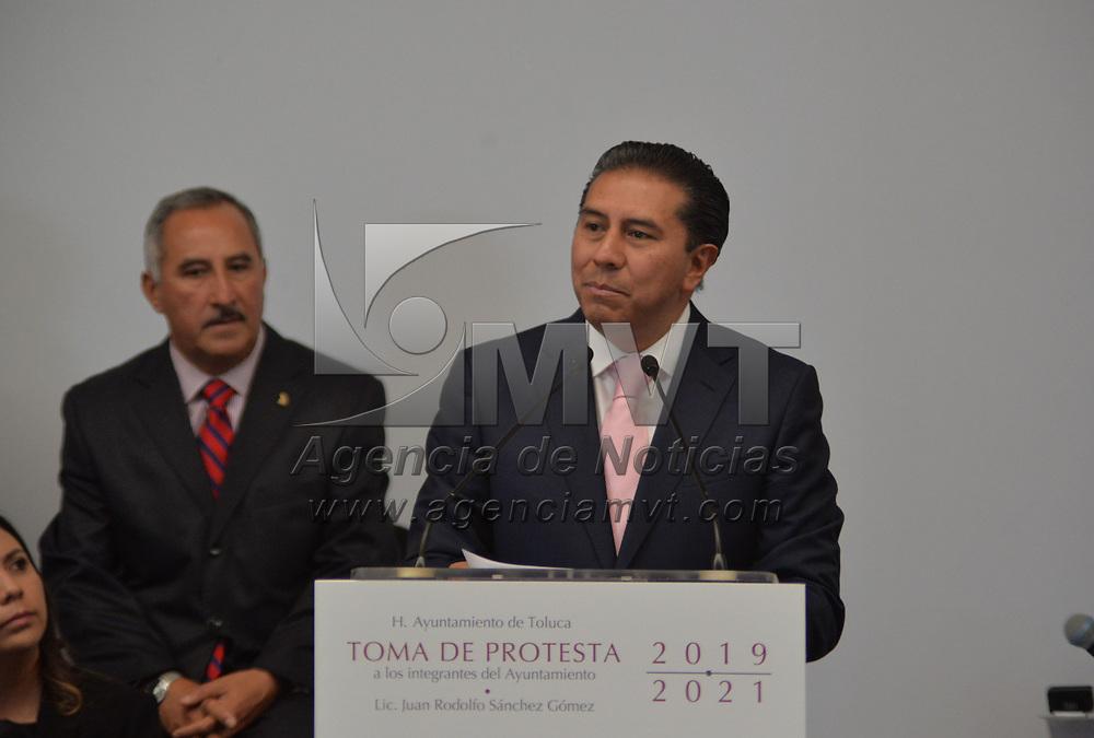 TOLUCA, México.- (Diciembre 17, 2018).- Juan Rodolfo Sánchez Góme rindió protesta como alcalde de Toluca ante el gobernador del Estado de México, Alfredo del Mazo Maza, pera el periodo 2019-2021. Agencia MVT / Crisanta Espinosa.