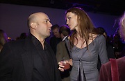 Mark Quinn and Saffron Burrows. The Almeida Theatre Charity Christmas Gala, to raise funds for the theatre, at the Victoria Miro Gallery, London.  1 December  2005. ONE TIME USE ONLY - DO NOT ARCHIVE  © Copyright Photograph by Dafydd Jones 66 Stockwell Park Rd. London SW9 0DA Tel 020 7733 0108 www.dafjones.com