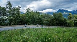 10-09-2017 FRA: BvdGF Tour du Mont Blanc day 2, St. Gervais<br /> Omgeven door imposante bergtoppen en vergezichten rijden we over mooie paden en trails naar de plaats St. Gervais waar we overnachten / Natuur, uitzicht, landschap, wegen, wolken, bergen, fiets