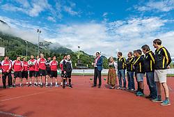 28.07.2017, Sportstadion Langau, Kitzbühel, AUT, Trainingslager, 1. FC Köln, im Bild v.l. die Mannschaft des 1. FC Köln mi Trainer Peter Stöger (1. FC Köln), Bürgermeister Dr. Klaus Winkler, Kitzbühel-Tourismus Präsidentin Signe Reisch, Vorstand FC Kitzbühel // during the Trainingscamp of German Bundesliga Club 1. FC Köln at the Sportstadion Langau, Kitzbühel, Austria on 2017/07/28. EXPA Pictures © 2017, PhotoCredit: EXPA/ Stefan Adelsberger