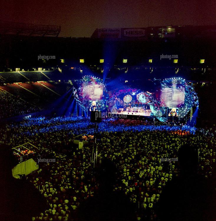 Grateful Dead Live at Giants Studium on 19 June 1995