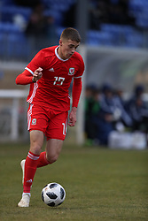BANGOR, WALES - Tuesday, November 20, 2018: Wales' Lewis Collins during the UEFA Under-19 Championship 2019 Qualifying Group 4 match between Wales and San Marino at the Nantporth Stadium. (Pic by Paul Greenwood/Propaganda)