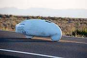 Damjan Zabovnik tijdens de vijfde racedag. In Battle Mountain (Nevada) wordt ieder jaar de World Human Powered Speed Challenge gehouden. Tijdens deze wedstrijd wordt geprobeerd zo hard mogelijk te fietsen op pure menskracht. Ze halen snelheden tot 133 km/h. De deelnemers bestaan zowel uit teams van universiteiten als uit hobbyisten. Met de gestroomlijnde fietsen willen ze laten zien wat mogelijk is met menskracht. De speciale ligfietsen kunnen gezien worden als de Formule 1 van het fietsen. De kennis die wordt opgedaan wordt ook gebruikt om duurzaam vervoer verder te ontwikkelen.<br /> <br /> Damjan Zabovnik on the fifth racing day. In Battle Mountain (Nevada) each year the World Human Powered Speed Challenge is held. During this race they try to ride on pure manpower as hard as possible. Speeds up to 133 km/h are reached. The participants consist of both teams from universities and from hobbyists. With the sleek bikes they want to show what is possible with human power. The special recumbent bicycles can be seen as the Formula 1 of the bicycle. The knowledge gained is also used to develop sustainable transport.