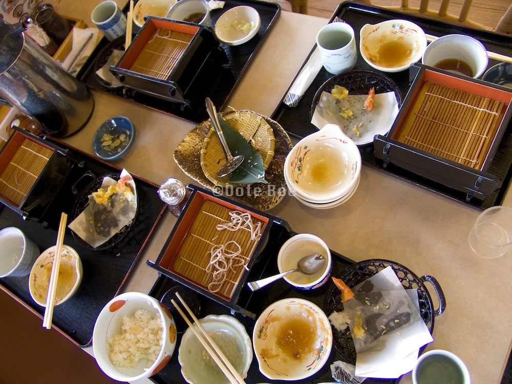 table with the leftovers of a soba dish