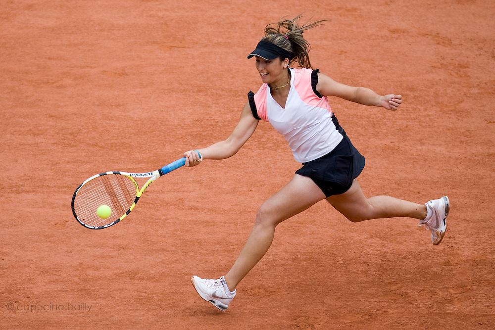 Paris, France. May 29th 2009. .Roland Garros - Tennis French Open. 3rd Round..French player Aravane Rezai against Michelle Larcher de Brito