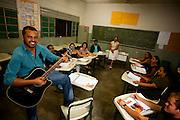 Cariacica_ES, Brasil...Cantor que esta aprendendo a ler em programa de alfabetizacao para adultos em Cariacica...The singer is learning to read in the program adults  education in Cariacica...Foto: LEO DRUMOND / NITRO