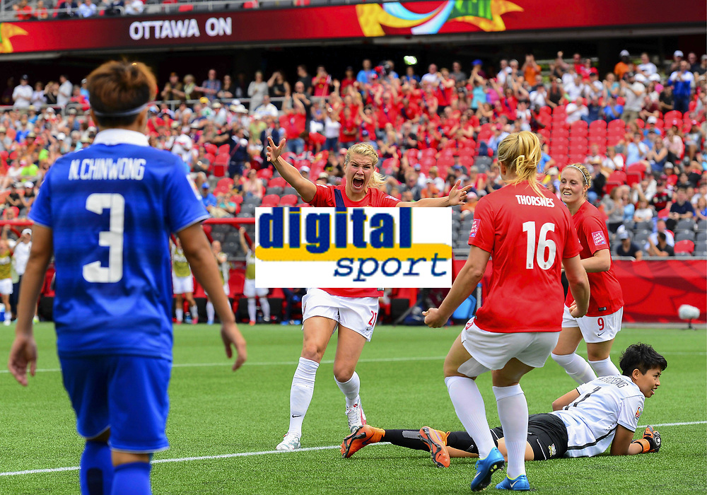 Fotball<br /> VM kvinner<br /> 07.06.2015<br /> Norge v Thailand<br /> Foto: imago/Digitalsport<br /> NORWAY ONLY<br /> <br /> Forward Ada Hegerberg ( 21) of Norway celebrates after scoring during the FIFA 2015 Women s World Cup Group B match between Norway and Thailand at Lansdowne Park in Ottawa, Canada<br /> Isabell Herlovsen - Elise Thorsnes
