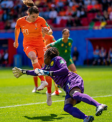 15-06-2019 FRA: Netherlands - Cameroon, Valenciennes<br /> FIFA Women's World Cup France group E match between Netherlands and Cameroon at Stade du Hainaut / Dominique Bloodworth Janssen #20 of The Netherlands scores 2-0, Annette Ngo Ndom #1 of Cameroon