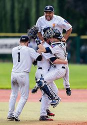 The Rouen Huskies celebrates after winning the European Cup B.