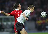 v.l. Martin Demichelis, Alexander Meier Eintracht<br /> DFB-Pokal Finale Eintracht Frankfurt - FC Bayern Muenchen  Bayern München <br /> Norway only