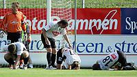 Fotball<br /> Adeccoligaen 2006<br /> Strømsgodset v Sogndal 0-1<br /> 02.07.2006<br /> Foto: Morten Olsen, Digitalsport<br /> <br /> Sogndal nede for telling. Keeper Terje Skjeldstad - Torgeir Hoås (27) - Rune Bolseth (18)