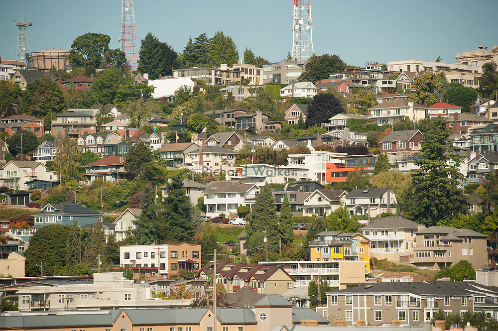 2017 SEPTEMBER 22 - Homes and apartment buildings on Queen Anne Hill in Seattle, WA, USA. By Richard Walker