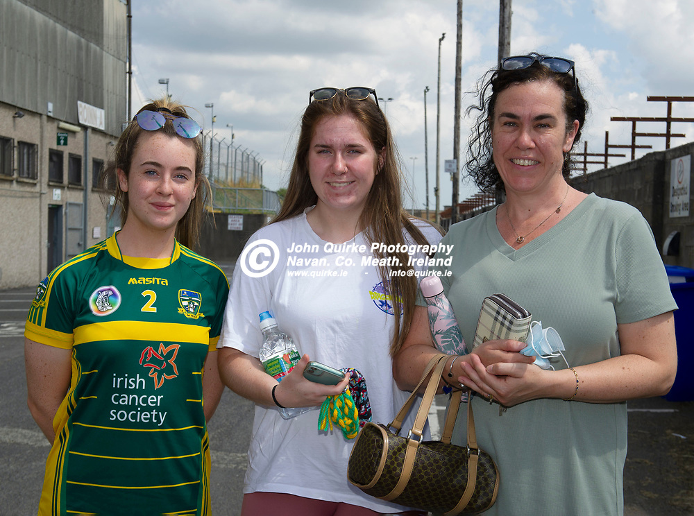 25-07-21. Meath v Dublin All-Ireland Intermediate Camogie Championship (Group 1) at Pairc Tailteann, Navan.<br /> L to R: Aoife Nolan, Ballivor. Lauren Kenny, Boardsmill and Cathrine Nolan, Ballivor were supporting the Meath Camogie team in the All-Ireland Intermediate Camogie Championship at Pairc Tailteann.<br /> Photo: John Quirke / www.quirke.ie<br /> ©John Quirke Photography, 16 Proudstown Road, Navan. Co. Meath. (info@quirke.ie / 046-9028461 / 087-2579454).