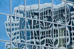 North America, United States, Washington, Bellevue, reflections in skyscraper