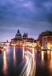 THEMENBILD - Basilica di Santa Maria della Salute in der blauen Stunde, aufgenommen am 06. Oktober 2019 in Venedig, Italien // Basilica di Santa Maria della Salute in the blue hour in Venice, Italy on 2019/10/06. EXPA Pictures © 2019, PhotoCredit: EXPA/ JFK
