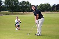OOSTERHOUT - Sophie van Wijngaarden en Pieter van Bakel  Bij verhaal Golf.nl . Wie Maakte Mij Golfgek.  Op de Oosterhoutse. COPYRIGHT  KOEN SUYK