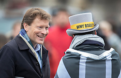 © Licensed to London News Pictures. 22/01/2020. London, UK. Brexit Party Chairman and MEP Richard Tice (L) talks with anti-Brexit campaigner Steve Bray outside Parliament. Photo credit: Peter Macdiarmid/LNP