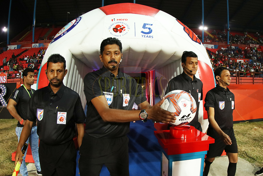 Match Officials entering the fop during match 25 of the Hero Indian Super League 2018 ( ISL ) between Jamshedpur FC and FC Goa held at JRD Tata Sports Complex, Jamshedpur, India on the 1st November  2018<br /> <br /> Photo by Saikat Das /SPORTZPICS for ISL