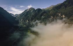 THEMENBILD - Blick in das Kaprunertal mit Morgennebel, aufgenommen am 26. August 2019 in Kaprun, Oesterreich // View into the Kaprun valley with morning fog in Kaprun, Austria on 2019/08/26. EXPA Pictures © 2019, PhotoCredit: EXPA/ JFK