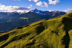 THEMENBILD - Wolken umgeben den Gipfel des Grossglockner (3798 m ü. A.) im Vordergrund Bergwiesen am Lesach Riegel. Kals, Österreich am Sonntag den 5. Juli 2020 // Clouds surround the summit of the Grossglockner (3798 m above sea level) in the foreground mountain meadows on the Lesach Riegel. Kals, Austria on Sunday, July 5, 2020. EXPA Pictures © 2020, PhotoCredit: EXPA/ Johann Groder