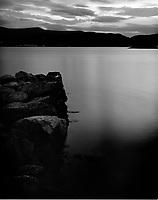 Leitaneset 23102011. Ettermiddagssolen skinner utover Ellingsøyfjorden.<br /> <br /> Foto: Svein Ove Ekornesvåg