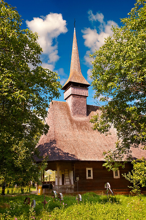 Wooden Church ( Biserica de Lemn ) St Nicolae, Maramures, Northern Transylvania, Romania. UNESCO World Heritage Site .<br /> <br /> Visit our ROMANIA HISTORIC PLACXES PHOTO COLLECTIONS for more photos to download or buy as wall art prints https://funkystock.photoshelter.com/gallery-collection/Pictures-Images-of-Romania-Photos-of-Romanian-Historic-Landmark-Sites/C00001TITiQwAdS8<br /> .<br /> Visit our MEDIEVAL PHOTO COLLECTIONS for more   photos  to download or buy as prints https://funkystock.photoshelter.com/gallery-collection/Medieval-Middle-Ages-Historic-Places-Arcaeological-Sites-Pictures-Images-of/C0000B5ZA54_WD0s