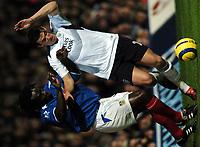 Fotball<br /> England 2004/2005<br /> Foto: BPI/Digitalsport<br /> NORWAY ONLY<br /> <br /> 20/11/2004 <br /> Portsmouth v Manchester City<br /> FA Barclays Premiership, Fratton Park<br /> <br /> Linvoy Primus, left battles with Joey Barton