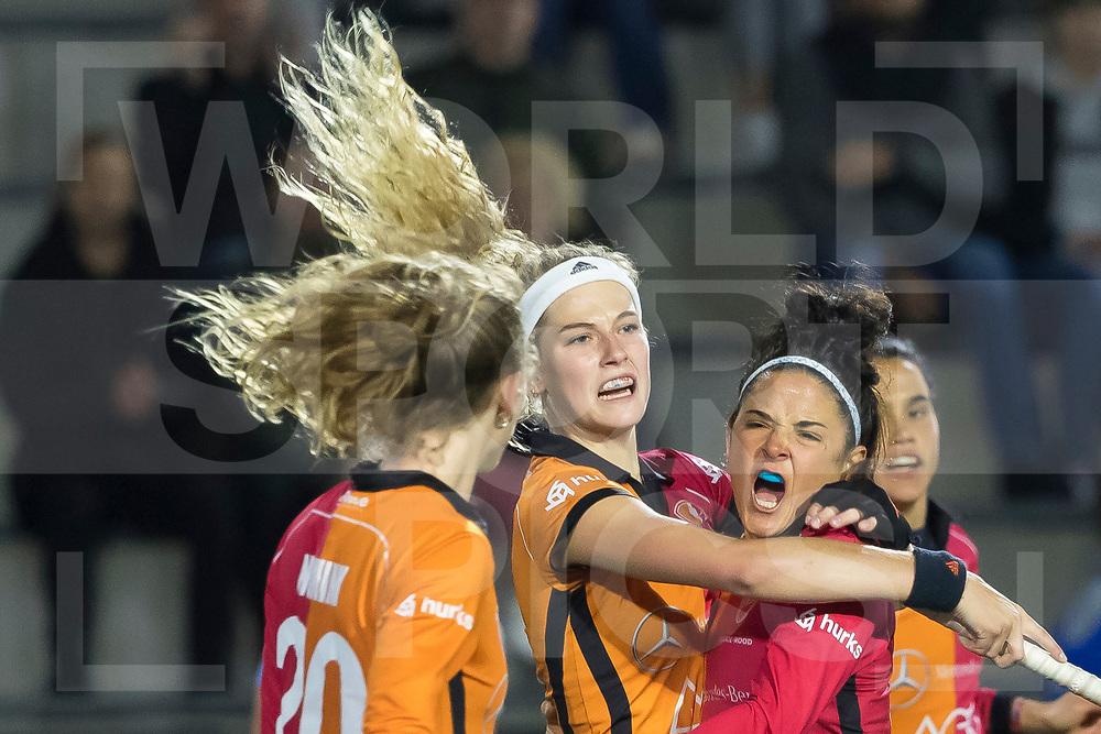 Eindhoven - Oranje Rood - Hurley Dames, Finale Gold Cup, Seizoen 2018-2019, 02-05-2019, Oranje Rood - Hurley 1-1, Oranje Rood wint na shootouts, Yibbi Jansen (OR) scoort de 1-1. rechts Maria Jose Granatto (OR)<br /> <br /> (c) Willem Vernes Fotografie