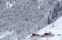 19.04.2017, Kaprun, AUT, Wintereinbruch in Salzburg, im Bild ein Bauernhof in der verschneiten Landschaft // A farm in the snowy landscape, Kaprun, Austria on 2017/04/19. EXPA Pictures © 2017, PhotoCredit: EXPA/ JFK