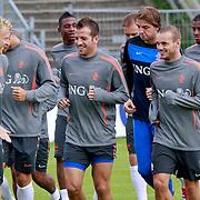 NLD/Katwijk/20110808 - Training Nederlands Elftal voor duel Engeland - Nederland, Dirk Kuyt, Rafael van der Vaart, Tim Krul, Georginio Wijnaldum en Wesley Sneijder