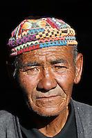 Mongolie. Province de Bayan Olgii. Homme kazakh. // Mongolia. Bayan Olgii province. Kazakh man.