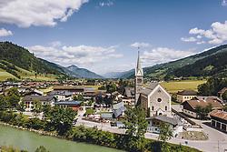 THEMENBILD - Niedernsill mit seiner Kirche, aufgenommen am 01. Juni 2020 in Niedernsill, Österreich // the Church of Niedernsill, Austria on 2020/06/01. EXPA Pictures © 2020, PhotoCredit: EXPA/ JFK