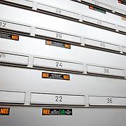 Nederland Rotterdam 9 maart 2008 20080309 .Brievenbussen met JA/ NEE stickers geen ongeadresseerd reclamedrukwerk/ geen huis aan huis bladen.Foto David Rozing
