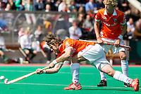 ROTTERDAM - Hockey-   Olmer Meijer van Bl'daal,zaterdag tijdens de halve finale Play offs bij de heren tussen Rotterdam en Bloemendaal (1-0). FOTO KOEN SUYK