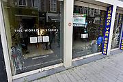 Nederland, Den Bosch, 6-9-2014In de binnenstad staan veel winkels leeg en worden te huur aangeboden. Dit pand was vroeger van boekhandel polare, de slegte, en is inmiddels verhuurd aan een nieuwe huurder.Foto: Flip Franssen/Hollandse Hoogte