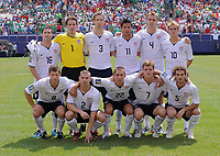 Fotball<br /> Concacaf Gold Cup 2009<br /> Finale<br /> Mexico v USA<br /> 26.07.2009<br /> Foto: imago/Digitalsport<br /> NORWAY ONLY<br /> <br /> Lagbilde USA<br /> Jay Heaps, Torwart Troy Perkins, Clarence Goodson, Brian Ching, Chad Marshall, Stuart Holden; vorn: Logan Pause, Heath Pearce, Davy Arnaud, Robbie Rogers und Kyle Beckerman