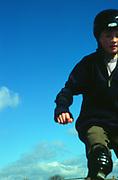 AF5CND Children playing at a skate park