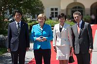 07 JUN 2015, ELMAU/GERMANY:<br /> Shinzo Abe, Premierminister Japan, Angela Merkel, CDU, Bundeskanzlerin, Akie Abe, Ehefrau des japanischen Ministerpräsidenten Shinzo, Joachim Sauer, Ehemann von Angela Merkel (v.L.n.R.), waehrend der Begruessung der anreisenden Regierungschefs und deren Ehepartner, G7-Gipfel vor Schloss Elmau bei Garmisch-Patenkirchen<br /> IMAGE: 20150607-01-015<br /> KEYWORDS: G7 Summit, begrüssung
