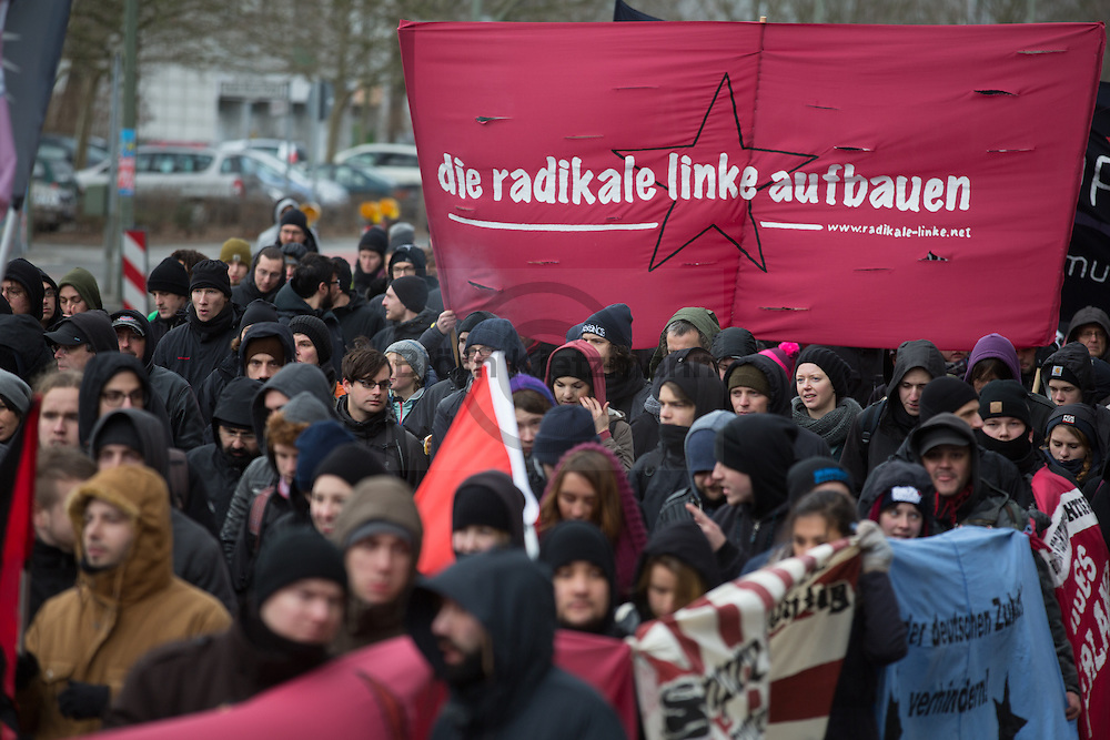 Berlin, Germany - 11.01.2015<br /> <br /> Thousands of people participated in the traditional commemoration of Rosa Luxemburg and Karl Liebknecht at the Memorial to the Socialists on the Friedrichsfelde Central Cemetery.<br /> <br /> Tausende Menschen beteiligten sich am traditionellen Gedenken an Rosa Luxemburg und Karl Liebknecht an der Gedenkstätte der Sozialisten auf dem Zentralfriedhof Friedrichsfelde.<br /> <br /> Photo: Bjoern Kietzmann