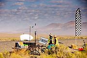 De ochtendruns op de tweede racedag. In Battle Mountain (Nevada) wordt ieder jaar de World Human Powered Speed Challenge gehouden. Tijdens deze wedstrijd wordt geprobeerd zo hard mogelijk te fietsen op pure menskracht. De deelnemers bestaan zowel uit teams van universiteiten als uit hobbyisten. Met de gestroomlijnde fietsen willen ze laten zien wat mogelijk is met menskracht.<br /> <br /> In Battle Mountain (Nevada) each year the World Human Powered Speed Challenge is held. During this race they try to ride on pure manpower as hard as possible.The participants consist of both teams from universities and from hobbyists. With the sleek bikes they want to show what is possible with human power.