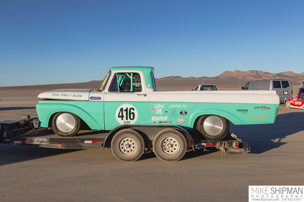 Y-Block Guy Racing, 416, eng D, body PP, driver Tim McMaster, 124.557 mph, record 158.404