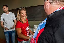 16-08-2017 NED: Huldiging Dafne Schippers bij FC Utrecht, Utrecht<br /> Dafne Schippers werd in stadion Nieuw Galgenwaard gehuldigd. Frans van Seumeren